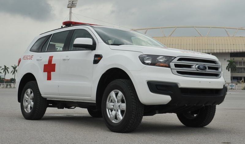 xe-cuu-thuong-Ford-Everest