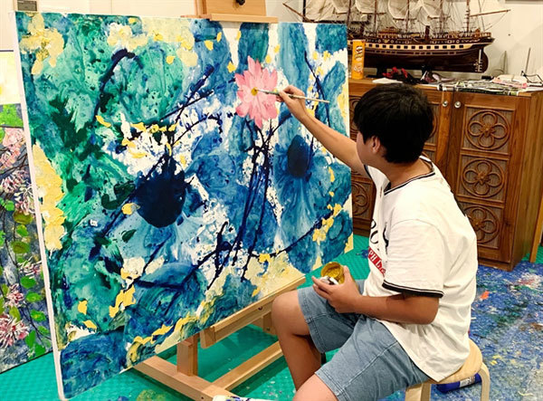 Art prodigy fights COVID-19 with art