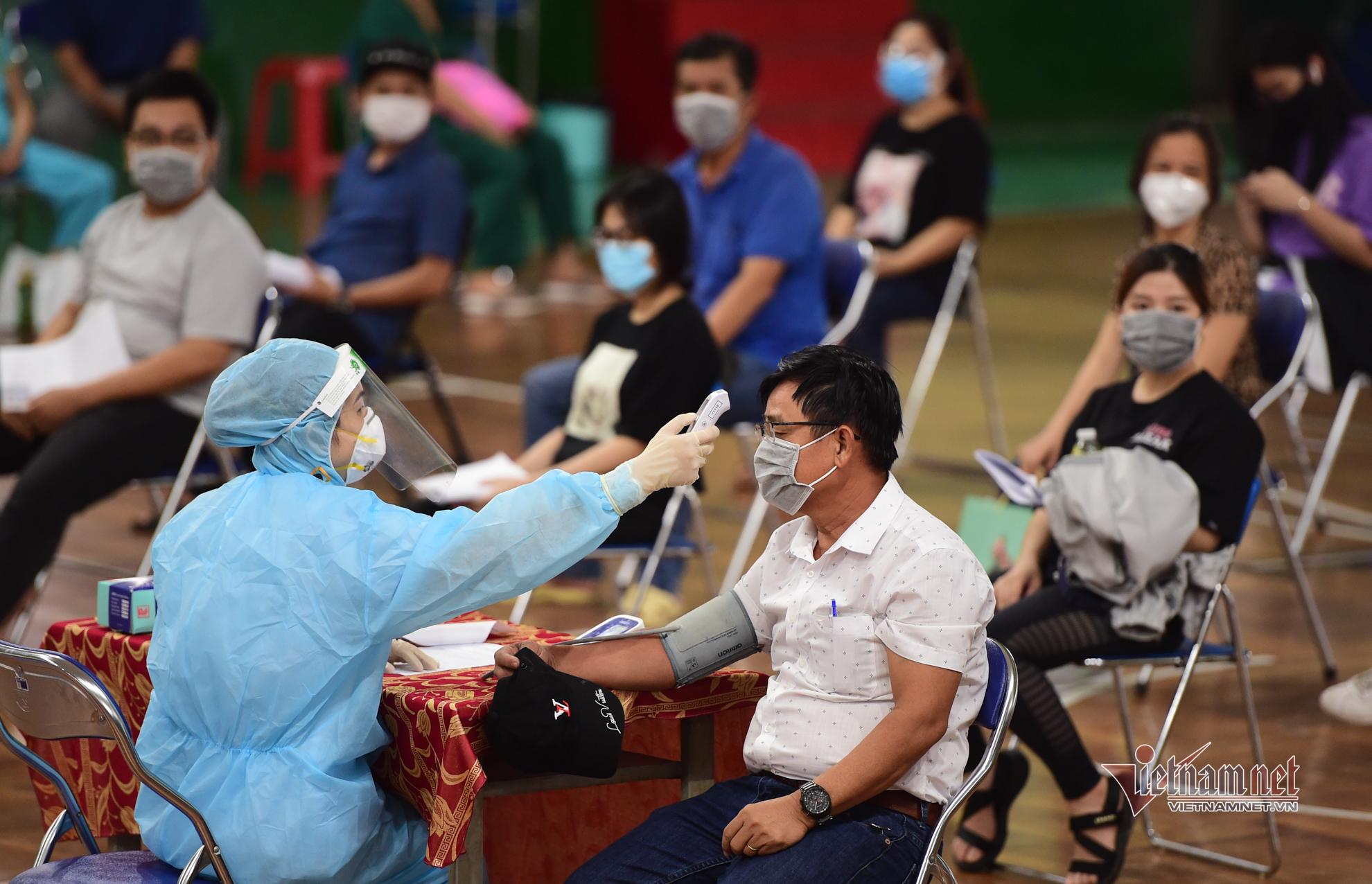 TP.HCM bắt đầu tiêm vắc xin Covid-19 đợt 5
