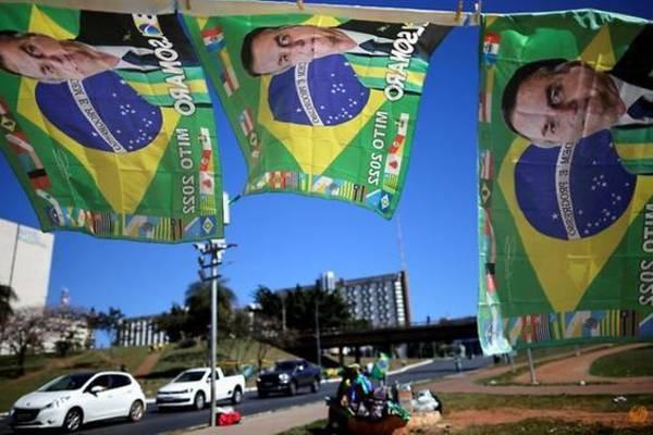 Tổng thống Brazil đăng video sai về Covid-19, YouTube lập tức gỡ bỏ