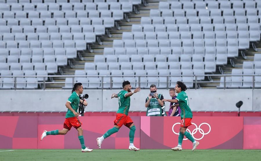 Olympic Mexico gây địa chấn khi đè bẹp Pháp