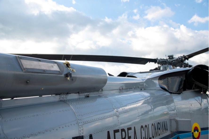 Colombia bắt 10 người đánh bom, tấn công trực thăng của Tổng thống