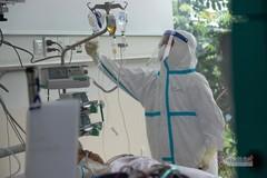Hơn 2.000 trang thiết bị y tế đã tới kho dã chiến TP.HCM