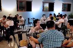 Hơn 1 năm tan tác, chủ nhà hàng bỏ Thủ đô trốn về quê
