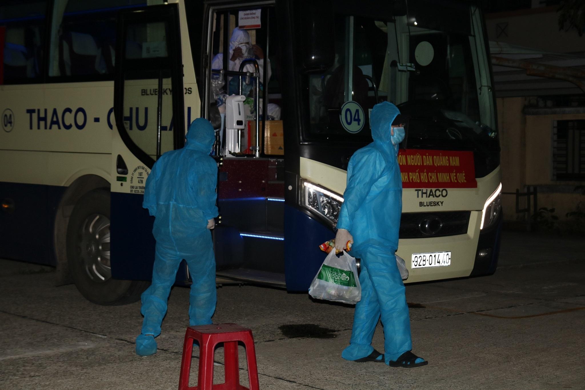 Sinh viên, công nhân Quảng Nam ở TP.HCM được đón về quê trong đêm