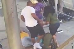 Người phụ nữ ngồi xe lăn bị hành hung dã man trên phố