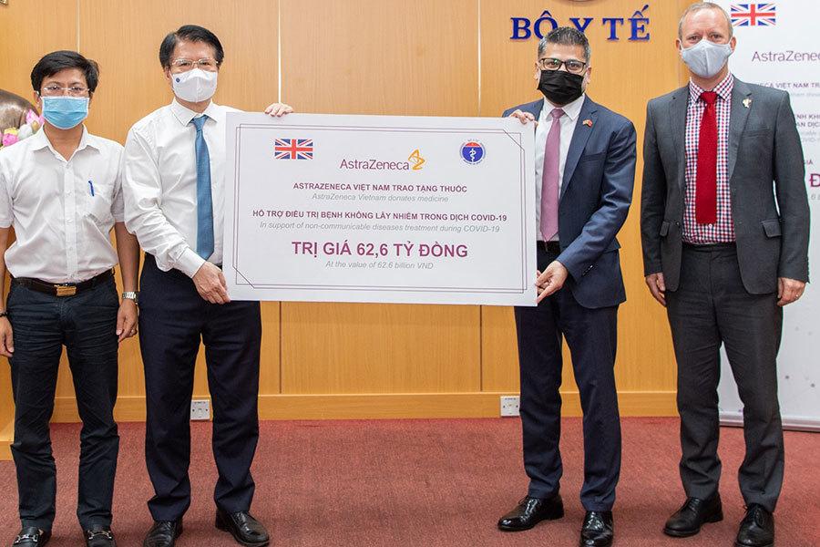 AstraZeneca Việt Nam tặng thuốc trị giá 62,6 tỷ đồng cho Bộ Y tế