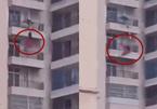 Cãi nhau với chồng, người phụ nữ rơi từ tầng 9 chung cư