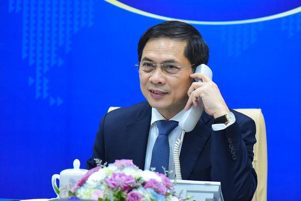 Pháp sẽ thúc đẩy cung cấp vắc xin cho Việt Nam với số lượng nhiều nhất