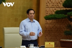 Thủ tướng: Tháo gỡ vướng mắc, thúc đẩy nhanh sản xuất vắc xin trong nước