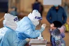 LHQ yêu cầu Trung Quốc hợp tác điều tra Covid-19, nhiều nước siết hạn chế