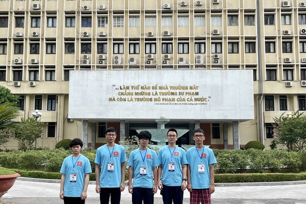 Việt Nam giành 3 huy chương Vàng Olympic Vật lý quốc tế 2021