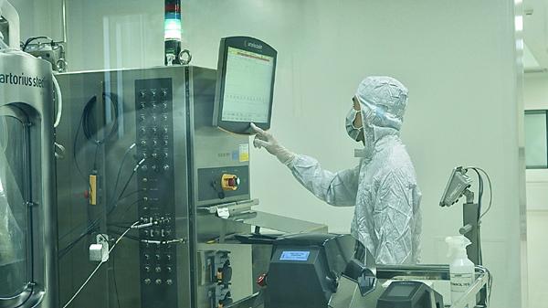 Hơn 1.000 người tiêm thử nghiệm mũi thứ 2 vắc xin Nanocovax