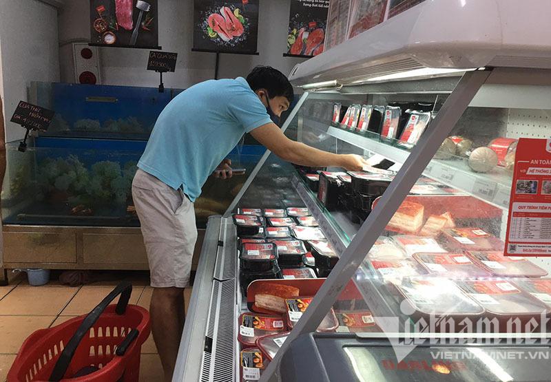 Hà Nội sáng nay: Đi chợ sớm, tranh thủ mua 1 lần dùng 3 ngày