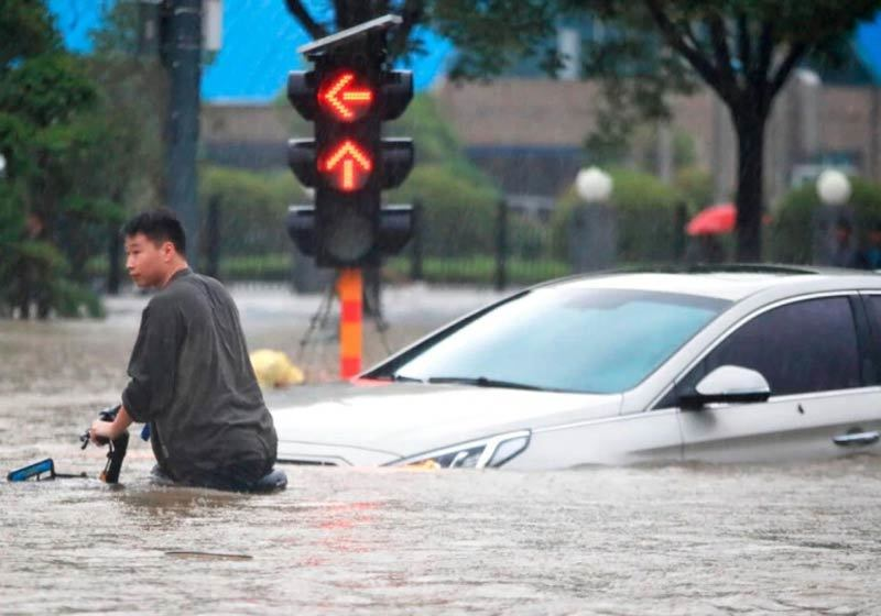 Hình ảnh lũ lụt khủng khiếp hoành hành khắp thế giới
