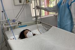 Mẹ con sản phụ 22 tuổi ở miền Tây mắc Covid-19 qua cơn nguy kịch
