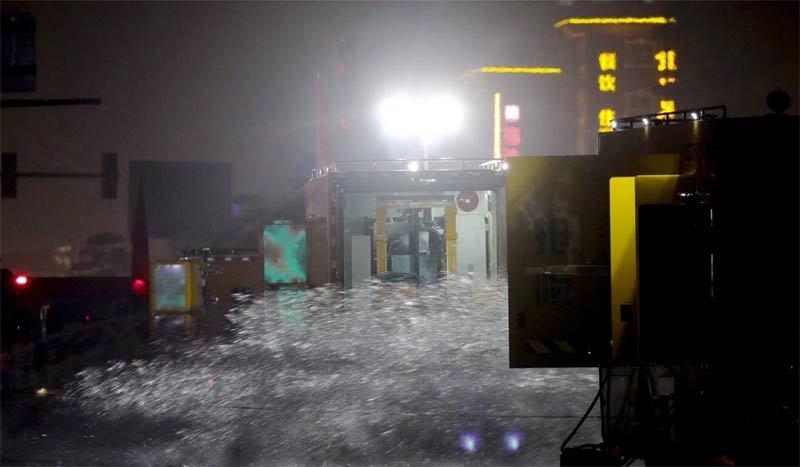 Hàng trăm ôtô bị nhấn chìm trong đường hầm ngập nước ở Trung Quốc