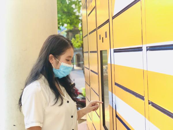 Nhận hàng không tiếp xúc với ATM bưu gửi của Vietnam Post