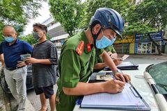 Ngày thứ 4 giãn cách, Hà Nội xử phạt hơn 800 trường hợp vi phạm phòng chống dịch