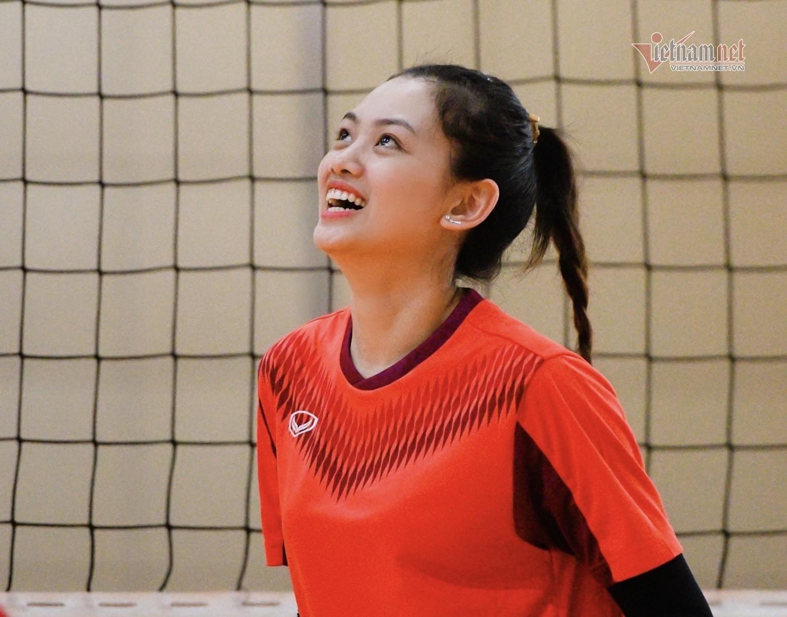 'Hoa khôi bóng chuyền' luyện tiếng Anh 2 tiếng mỗi ngày