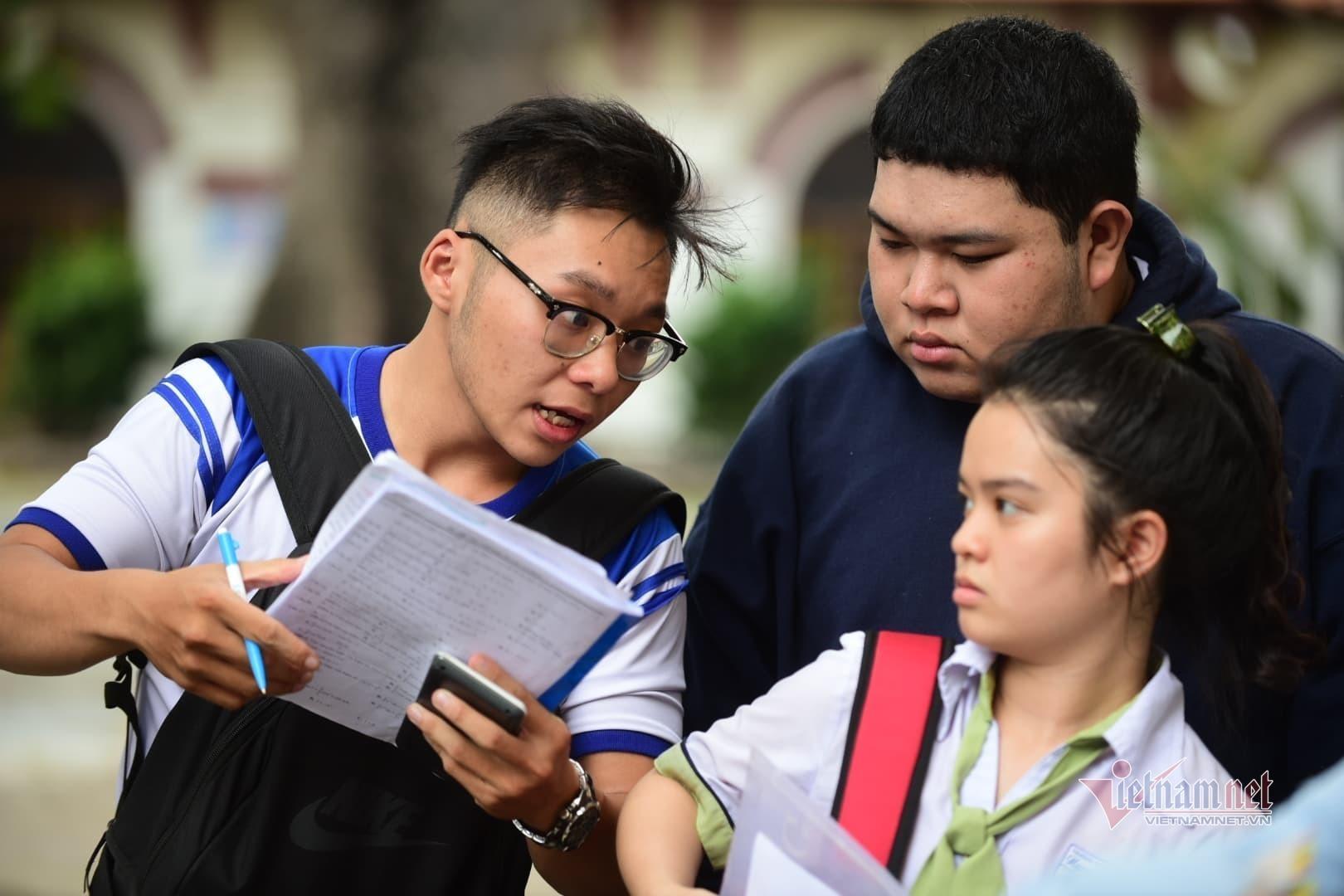 Bộ GD-ĐT công bố điểm thi tốt nghiệp THPT năm 2021