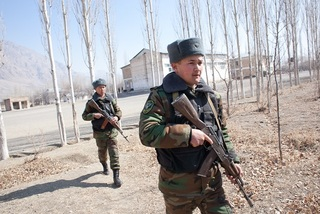 Đọ súng nảy lửa giữa biên phòng Kyrgyzstan và Tajikistan
