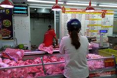 Lợn, gà tại trại giá rẻ lắm, về đến Sài Gòn lại cao ngất