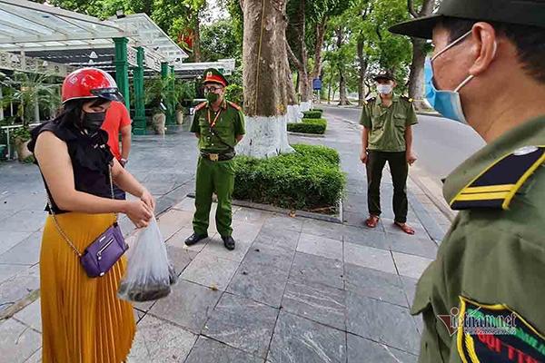 Cách ly xã hội, người Hà Nội cần biết 16 hành vi vi phạm để không bị phạt