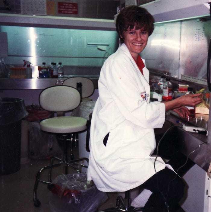 'Người hùng' góp phần tạo nên vắc xin Covid-19
