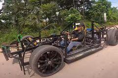 Bugatti Chiron tự chế của ngư dân Việt được lên báo Mỹ