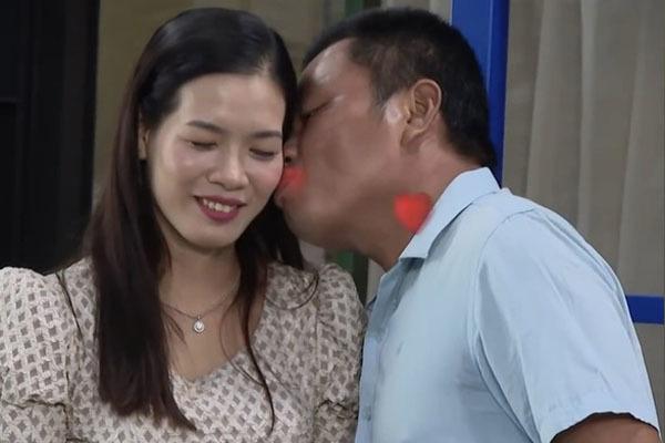 MC phấn khích trước mẹ đơn thân 'muốn được hôn' ngay lần đầu hẹn hò