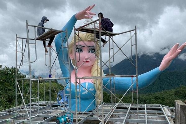 Tượng Nữ hoàng Elsa ở Sa Pa và ứng xử với cái đẹp