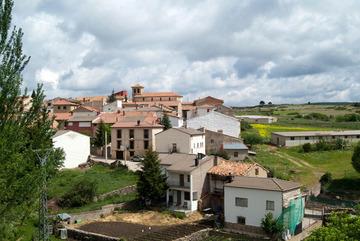Thị trấn miễn tiền thuê nhà, cung cấp việc làm để mời người đến ở