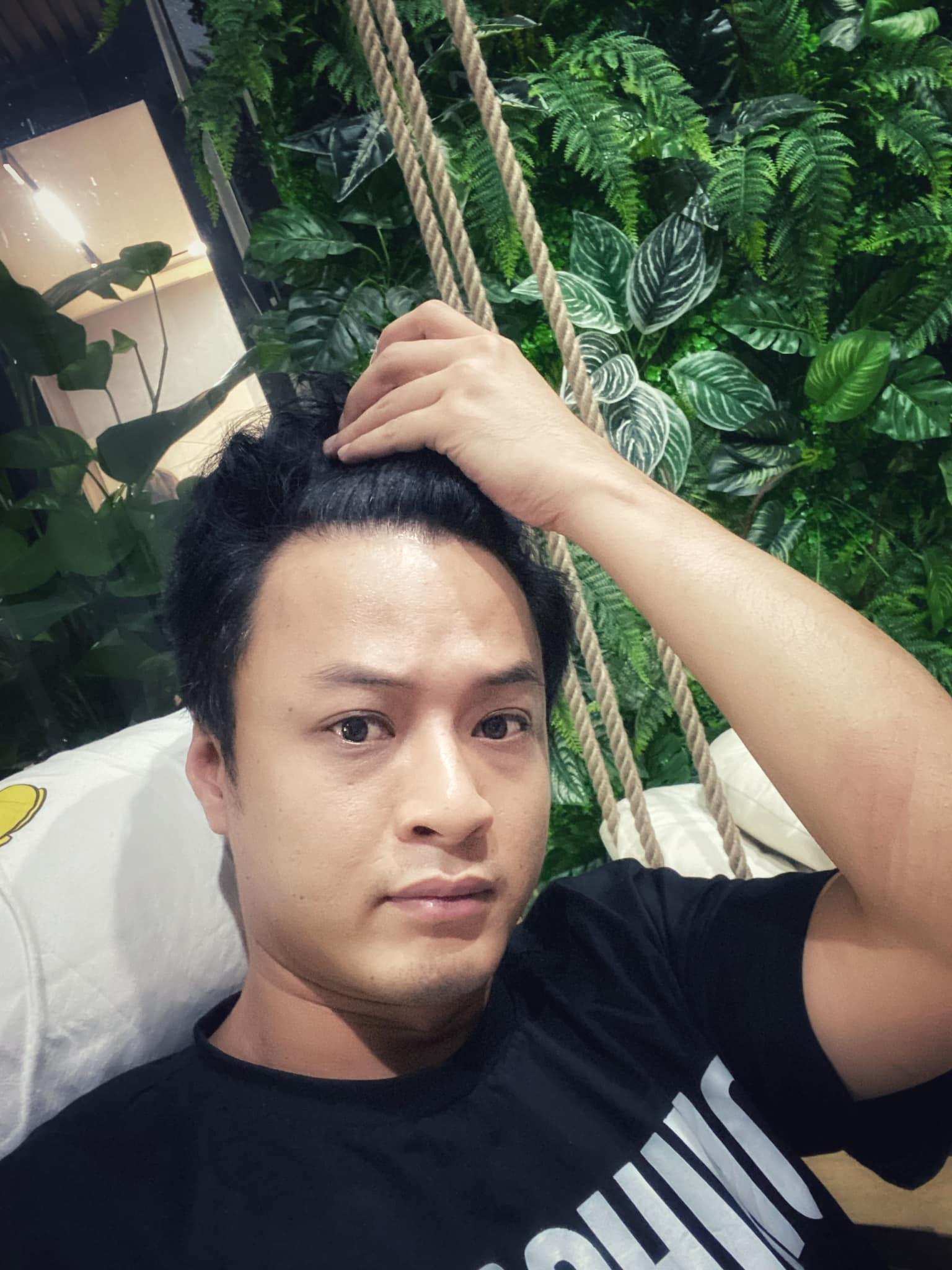 Lý Hùng, Việt Anh đăng ảnh khoe cơ bắp do tập luyện