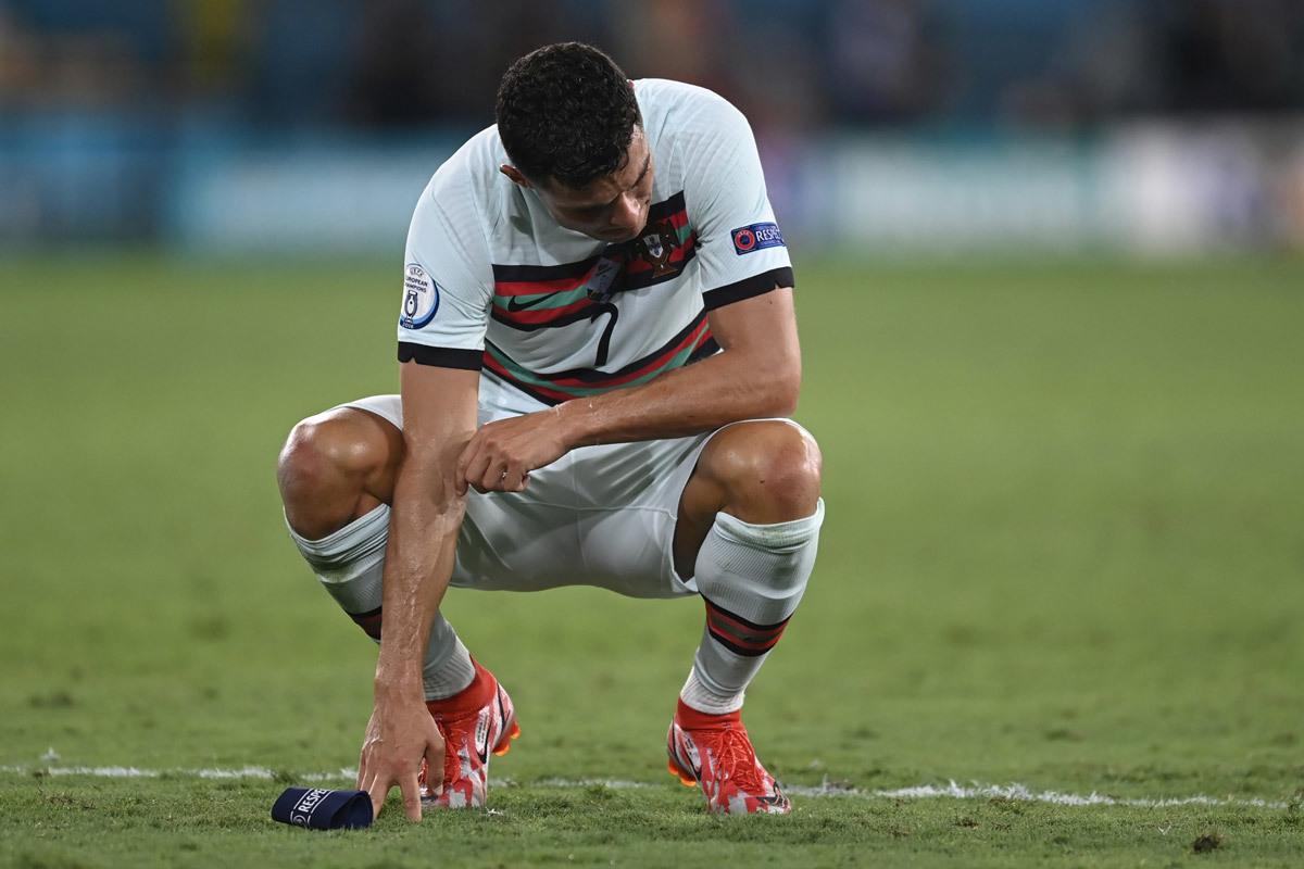 Ronaldo 'chiến tranh lạnh' với Juventus: Cơ hội cho nhà giàu PSG