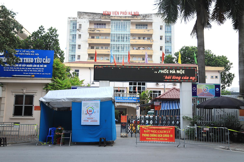 Cách ly Bệnh viện Phổi Hà Nội sau khi phát hiện 9 ca dương tính nCoV
