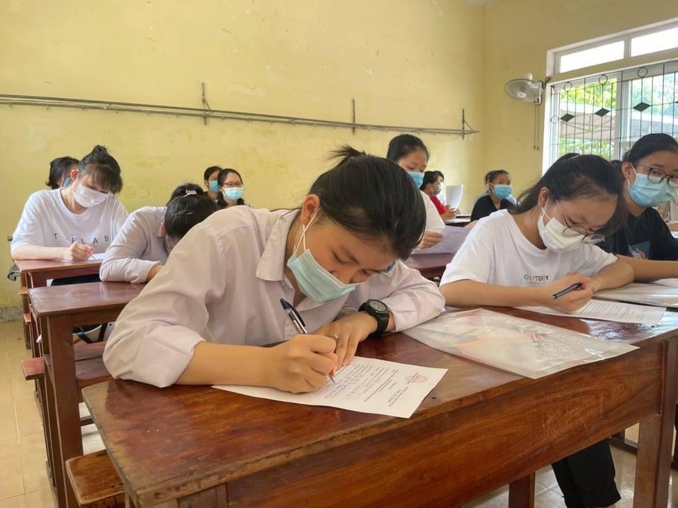 Hà Tĩnh có 578 điểm 10 kỳ thi tốt nghiệp THPT, gấp 3 lần năm ngoái