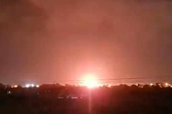 Quân đội Israel không kích căn cứ Hamas tại Dải Gaza