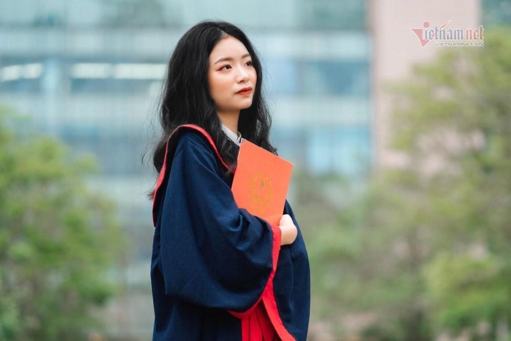 Nữ sinh Hà Nội là thủ khoa toàn quốc kỳ thi tốt nghiệp THPT 2021