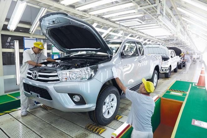 Ba nhà máy sản xuất xe Toyota tại Thái Lan tạm dừng hoạt động