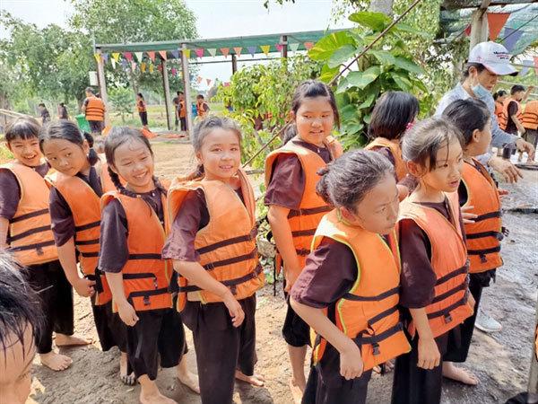 HCM City children enjoy 'quiet' summer, indoor activities amid pandemic