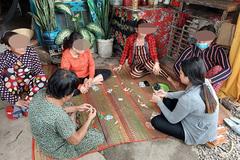 Nhiều nam nữ tụ tập ăn nhậu, đánh bạc bị đề nghị phạt gần 250 triệu