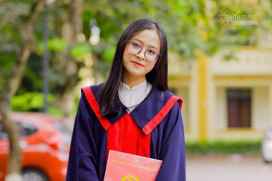 Nữ sinh Nghệ An trở thành thủ khoa sau 1 năm 'trượt đại học'