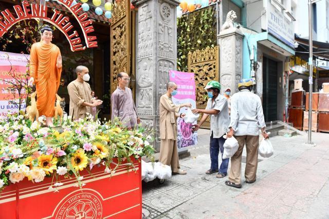 Kêu gọi Tăng, Ni, Phật tử tham gia hỗ trợ chăm sóc bệnh nhân Covid-19