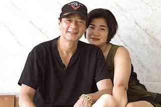 Võ Hoài Nam đăng ảnh tình tứ bên vợ kém 12 tuổi