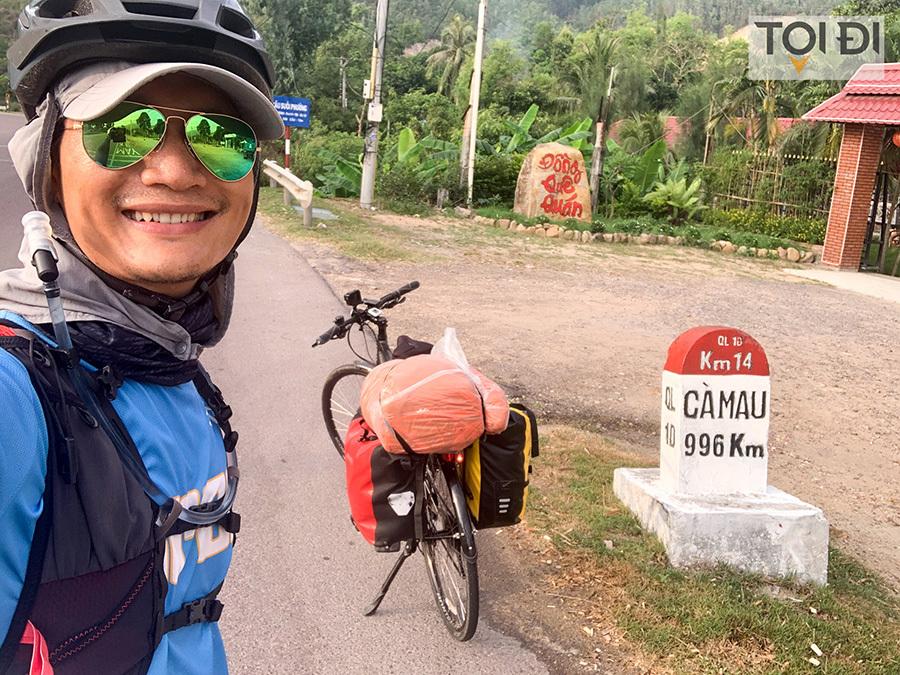 Đạp xe xuyên Việt 60 ngày gây quỹ sách nói cho người khiếm thị