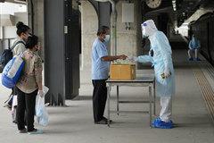 Indonesia lại hứng ngày đen tối, Thái Lan đưa người nhiễm Covid-19 ở Bangkok về quê