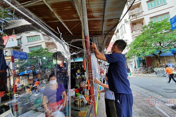 Chợ làng ngày giãn cách