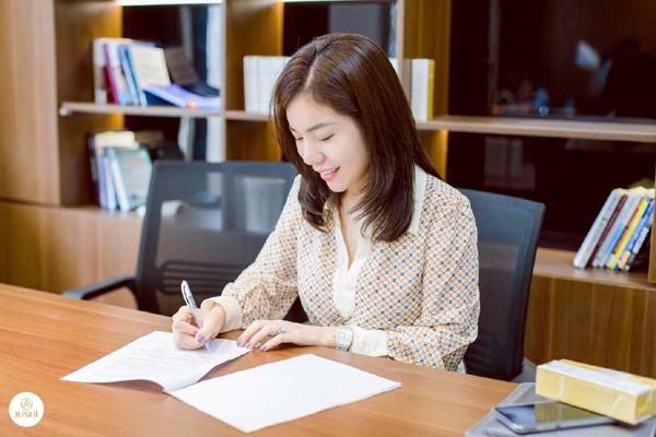 Nữ doanh nhân 9X quyết xây dựng dòng mỹ phẩm tự nhiên cho làn da châu Á