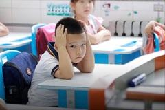 Cha mẹ Trung Quốc đau đầu lo ngại con trai thua kém các bạn gái